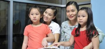 Mẹ Thu Giang – có 2 con Minh Anh (5 tuổi) và Sĩ Khải (17 tuổi)